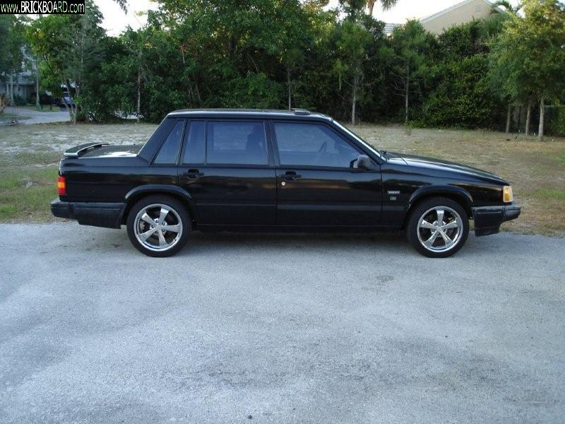 Volvo  -- 1990 740 Turbo